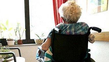 a 90 anni legata picchiata e offesa dalla figlia bagno a ripoli