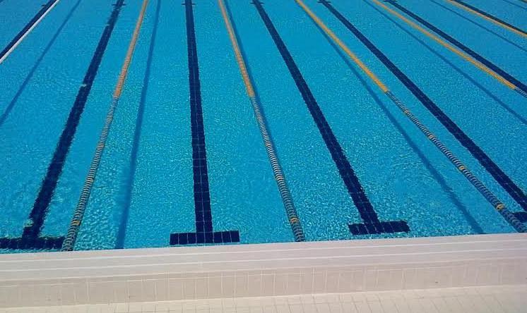 Gare Di Nuoto Nella Piscina Geotermica Sport Pomarance