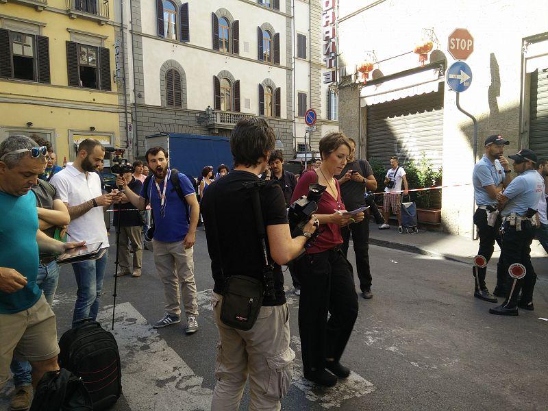 Duplice omicidio a Firenze, la terza vittima si salva gettandosi dalla finestra
