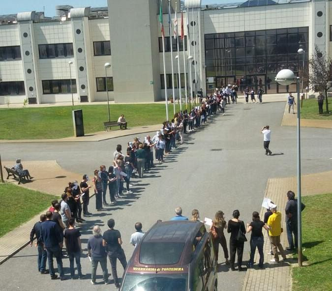 Flash Mob al CNR di Napoli, la protesta dei precari della Ricerca