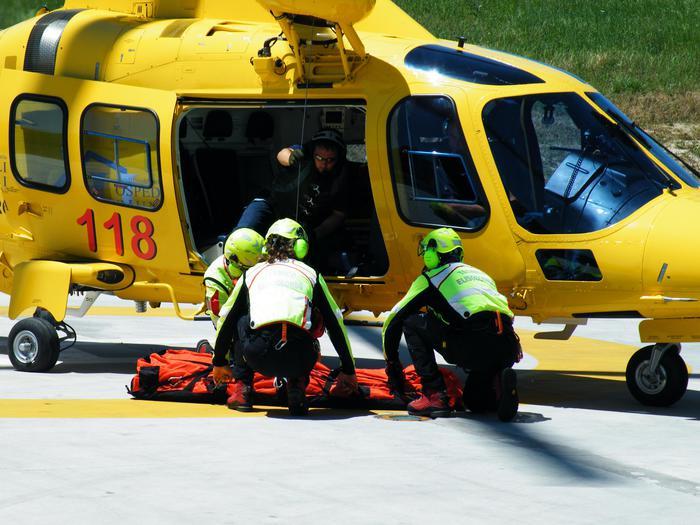 Fivizzano: bimbo di 2 anni ustionato trasportato in elicottero al Meyer
