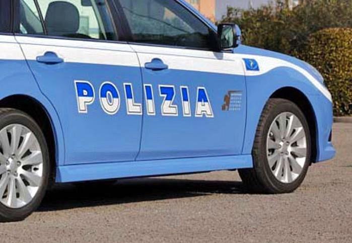 Travolta da un'auto sulla provinciale, muore una 34enne a Riotorto