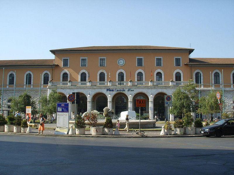 La stazione di Pisa