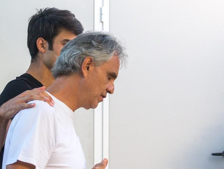 Bocelli cade da cavallo, dall'ospedale: