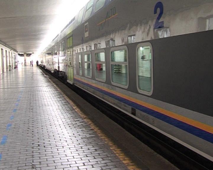 Muore Travolto Da Un Treno In Partenza Cronaca Firenze