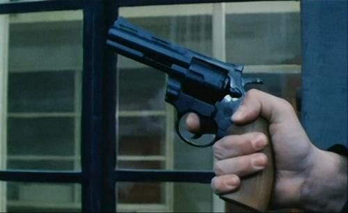 Scandicci, colpi di pistola contro l'auto di un imprenditore vicino a Renzi