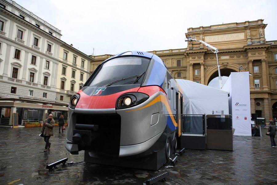Piazza della Repubblica: dentro i nuovi treni regionali 'Pop' e 'Rock'