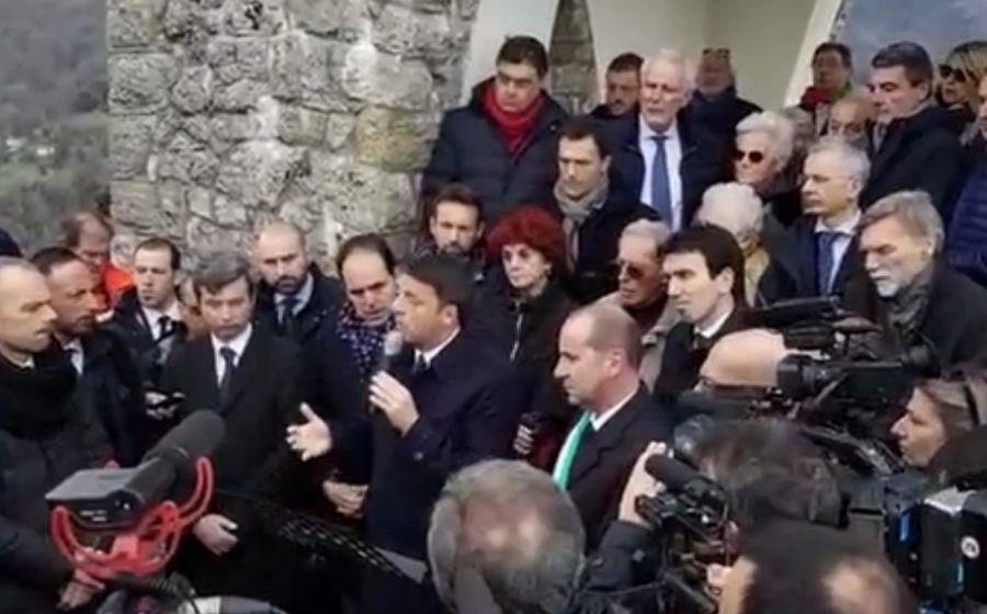 Matteo renzi e il pd a sant 39 anna di stazzema politica for Parlamentari del pd