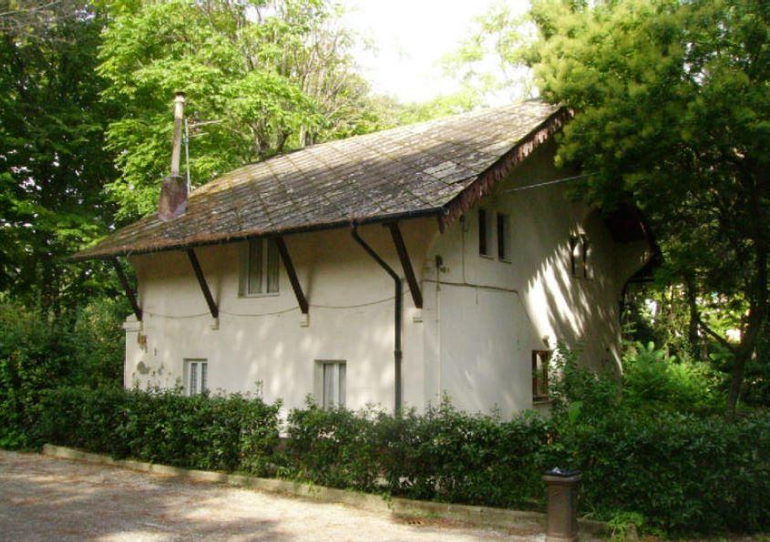 Villa fabbricotti via amianto da casa ex custode attualit livorno - Casa con giardino livorno ...