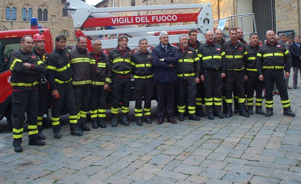 pompiere siti di incontri gratuiti come iniziare ad uscire a 50