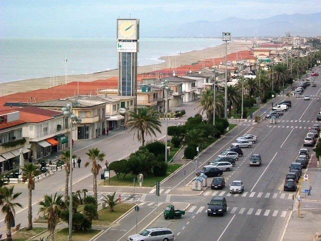 Linea blu fa tappa a Viareggio - Qui News Versilia