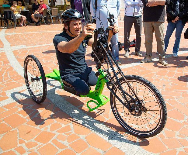 Risultati immagini per Visit Elba presenta la prima handbike a pedalata assistita studiata su misura per una destinazione turistica.