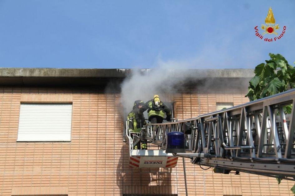 Bruciati vivi nell 39 incendio di casa cronaca livorno - Casa con giardino livorno ...
