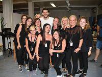Soler con alcune curatrici di Undici Lune (foto da Fb)