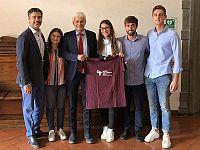 Gli studenti con il prorettore Francesco Marcelloni e il professor Emanuele Cigna
