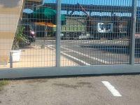 Il cancello chiuso