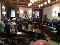 Il minuto di silenzio in consiglio regionale