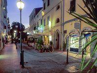 Marina di Campo in notturna
