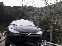 L'auto rimossa dopo l'incidente