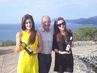 Antonio Arrighi e le figlie Ilaria e Giulia