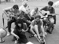 Da sinistra: Giorgio Canali, Simone Filippi, Gianni Marccolo, Angela Baraldi,  Massimo Zamboni e Francesco Magnelli