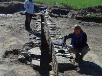 Esperti al lavor nello scavo di Carlappiano