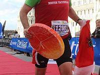 Gianni Tacchella durante la maratona a Pisa