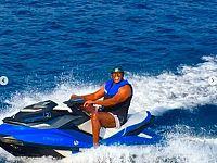 Magic Johnson nel mare dell'Elba