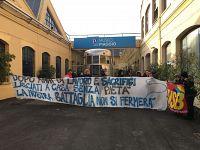 Una recente protesta di fronte all'Unione Industriale