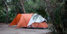 La prima volta al Campeggio: 13 Storie di Sesso in tenda! (Italian Edition)