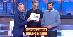 In tv il pratese che ricicla jeans - VIDEO