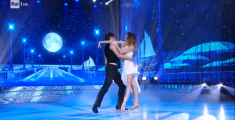 La bachata di Sara e Massimiliano - VIDEO