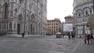 In foto piazza Duomo deserta durante l'emergenza Covid