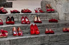 scarpe rosse contro la violenza sulle donne scarpe rosse contro la violenza sulle donne
