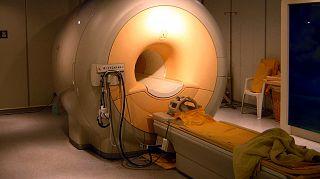 Un apparecchio per risonanze magnetiche