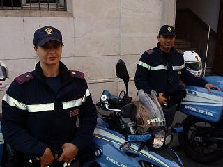 poliziotti incontri insegnanti siti Web di incontri vietnamiti gratuiti