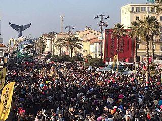 Calendario Mercato Forte Dei Marmi 2020.Sei Corsi Mascherati Per Il Carnevale 2020