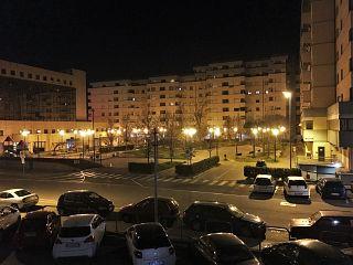 Il Palazzo Rota di notte, quartiere stazione
