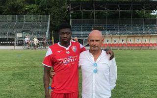 Il direttore sportivo Andrea Luperini con Muhamed Olawale Tehe