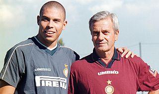 Gigi Simoni con Ronaldo all'Inter nella stagione 1997/98