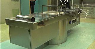 Un tavolo per autopsie