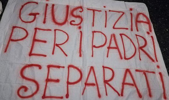 Padri separati, un presidio di denuncia a Firenze | Attualità FIRENZE