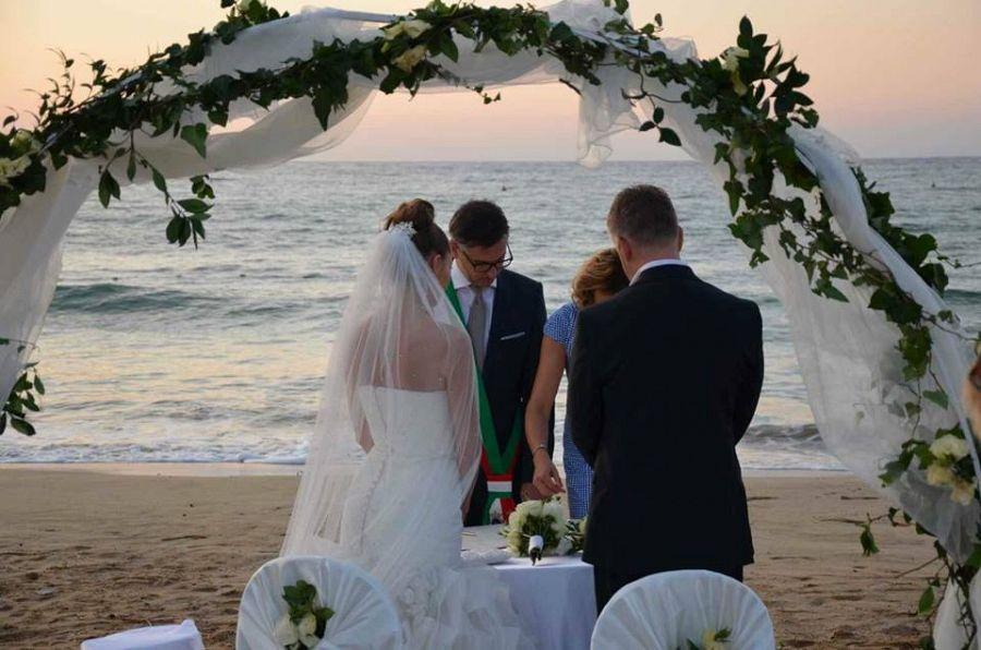 Matrimonio Spiaggia Marina Di Massa : Matrimonio a cesenatico è una spiaggia dell elba attualità
