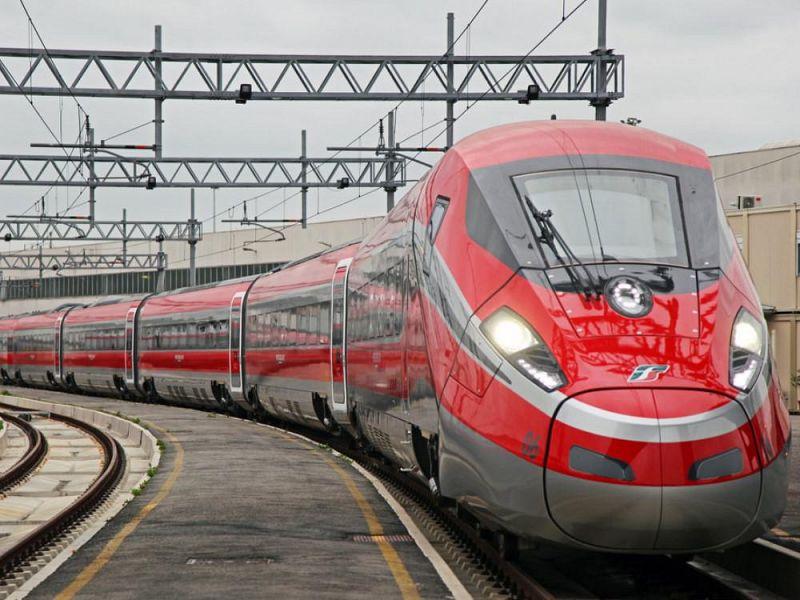 Passeggeri Bloccati In Treno Per Il Tilt A Roma