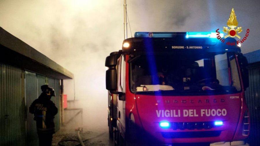 Incendio distrugge una casa cronaca capraia e limite for Piani di casa artigiana con seminterrato di sciopero