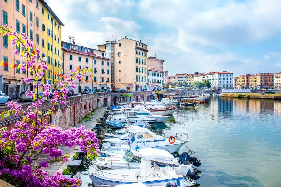 Rent A Luxury Car In Livorno